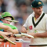 Phillip Hughes signs autographs for young fans during a Test match in Hobart three years ago #RIP http://t.co/qBZvXa7rCq