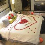 أقضي ليلة العمر في فندق قصر الواحة الرياض - العليا العام - هاتف 0114612288 #أفراح #الرياض #الرياض_الآن #Riyadh http://t.co/escvIzkmvn