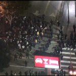Полиция в Лос-Анджелесе арестовала 130 протестующих http://t.co/O8bcaWLcCu http://t.co/D1L32YJpyw