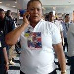 Marta Bylon, habla con su hija, Atheyna, minutos antes de que su avión aterrice a suelo patrio. http://t.co/v9AuvSoqa3