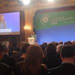 [#ConfEnvi] @RoyalSegolene ouvre la troisième Conférence environnementale http://t.co/XXF4KQbzvU http://t.co/VWFK4eOO99
