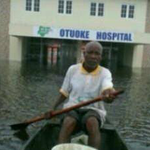 @omojuwa this is what Otuoke hospital looks like when it rains heavily, but d son of d soil can spend N9.2b on stoves http://t.co/oxb5LAE0xz