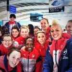 The players are at the airport and @liannesanderson is making the most of her new selfie stick! #ALFC http://t.co/99lqebSpfz