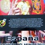 """Sorteamos cinco ejemplares """"España, Campeón del Mundo 2010"""" entre nuestros seguidores.  ¡Sólo tienes que retuitear! http://t.co/1WnKANJad8"""