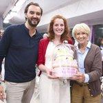 #LeMeilleurPâtissier : Anne-Sophie a remporté la compétition http://t.co/j6ITmYwBHE http://t.co/sIjLGcFPO1