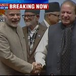PM Modi-Nawaz Sharif handshake at #SAARC Summit #PMAtSAARC http://t.co/sYFv3d69t3