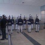 "Cadetes de la Policía N. hacen calle de honor en espera de Bylon Bylon.@PanamaAmerica @CriticaPa @DiaaDiaPa http://t.co/fmiqM7WLrG"""