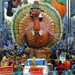 HOLIDAY TRADITION: Macys first Thanksgiving Day parade took place 90 years ago today http://t.co/H1IeBdQbM3 http://t.co/mPxx2X3cji