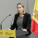 """@anapastorjulian en el acto de presentación de la publicación """"Empresas españolas construyen el mundo"""" http://t.co/F13N144ijV"""