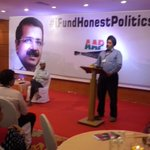 Supporters thanking @ArvindKejriwal for sacrificing so much to transform the nation #IFundHonestPolitics http://t.co/NKWBCMtI5Z