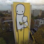 UKs tallest piece of street art can be viewed from planes taking off at Heathrow http://t.co/wcOk1JLK28 http://t.co/a5r1IKf8XA