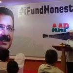 .@ArvindKejriwal addresses the fund raiser in Mumbai. http://t.co/PodfDRTI4j