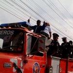 Ya salió la caravana en honor a la campeona mundial #AtheynaBaylon. http://t.co/pueZoWXX19