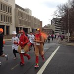 Turkeys and minions were running through downtown #Roanoke for the #DrumstickDash http://t.co/5m2jJNBYDV