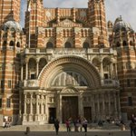 Ukip mistakes Westminster Cathedral for mosque - how Twitter reacted http://t.co/9tQ9mSB1Sf #ThingsThatAreNotMosques http://t.co/rYgfjEhSGo