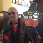 @deesnider fav tradition is a deep fried turkey. Hes the grand marshal at my fav tradition today #ChicagosParade http://t.co/zDU1LcB9Nv