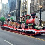 Make sure to tell us your favorite #ChicagosParade float! Tag #MyChicagoPix. Stay warm. http://t.co/D8y4FHP97Z