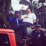 Atheyna Bylon, campeona del mundo en caravana de bienvenida a Panamá en carro de @BCBRP y escolta de @protegeryservir http://t.co/3BqGO7NTMf
