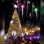 @Paco_Olvera y @Lupita_Romero encienden la navidad en la región de #Apan http://t.co/zjj44vKwSE http://t.co/fR2PsNNMx9
