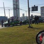 Para variar. .. ahora los taxistas bloquean miguel alemán y carr. huinala .. ta… http://t.co/Q7Q9foSg6D —@angel_fdz67 http://t.co/KyyfhVzNtP