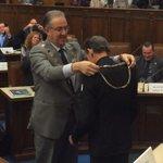 """Ook een dagje overdag burgemeester :-) #deelder """"@adriaanvisser: Hij is mooi zegt Deelder! #Raad010 http://t.co/yLJwJSt19f"""""""