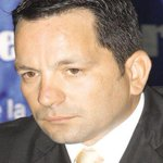 El pleito de Ferrufino. Historia de la fiesta del exministro que terminó en trifulca. http://t.co/wziJ405Qm0 http://t.co/zhwtgGH77B