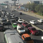#AlMinuto Taxistas bloquean Miguel Alemán http://t.co/5lws2gm0Xi http://t.co/bXLy2VjtTL