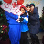Bozo keeping everybody warm on the @WGNTV float. @NancyLoo @SarahJindra @ErinMcElroyWGN http://t.co/A0O01CM9Go