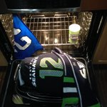 12th Turkey Tailgating #12thTurkey #Seahawks #12thMan http://t.co/HcSCuWhucj