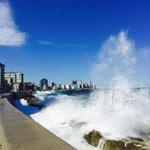Morning run along Havanas sublime malecón. #Cuba (apologies, friends in the frosty US) http://t.co/l7mQv0whxE