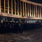 Ані Лорак сьогодні охороняють сильніше, ніж Верховну Раду. Фото - Азад Сафаров http://t.co/FKw4Vg3Uus