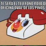 Además #EPN presentó la versión mexicana del teléfono que él tendrá #MensajeEPN #911 #YaMeCanse http://t.co/2CXVTB1IIa