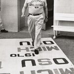 "Woody Hayes w/ the infamous 1970 rug, ""1969 – Michigan 24, Ohio State 12; 1970 – Michigan?, Ohio State?"" #Motivation http://t.co/9iOXXabDz2"