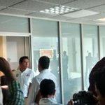 Diputado @JefteMendez fue golpeado en sus oficinas por @FREDDYGILPINEDA en el edificio de la @62LegisOficial http://t.co/5EkUNtBGoR
