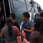 Reparten normalistas el botín http://t.co/VvOkVuFjea #TwitterOax #Oaxaca http://t.co/iCFPWTd6N0