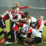 Na een 2-0 zege in de Kuip op Sevilla overwintert Feyenoord voor het eerst sinds 2004/2005 in Europa.  #feysev http://t.co/3Uf1gRe9ux