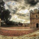 Basílica de la Soledad ¿Cómo no amar #Oaxaca? http://t.co/dVlCDpldgb
