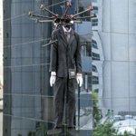 Black Friday: Loja em SP usa drones para fazer desfile de moda no ar; veja vídeo http://t.co/v1AedlwrWm http://t.co/i857n0yn4g
