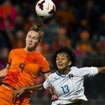 Vrouwen #Oranje voor het eerst naar WK voetbal http://t.co/Dmw0orUZdN #itaned http://t.co/u7EILLpIJJ