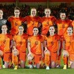 Yeaaaaaahhhh, we gaan naar het WK in Canada, topvrouwen hebben het gepresteerd #itaned @vrouwen_voetbal #coplment http://t.co/xjwsR5Giiw