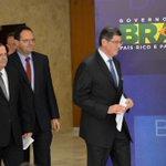 Aliados defendem Levy e oposição critica 'estelionato eleitoral' http://t.co/oyijwpaWh0 http://t.co/wJ477K20iM