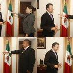 Aquí la foto del momento en que rindieron protesta los directores que hoy nombré y que ratificó el Cabildo de Durango http://t.co/QkX1fTcRBJ