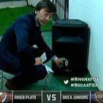 Boca llevó parlantes al Monumental para que los jugadores se sientan como en la Bombonera http://t.co/4V2XQq0PPu http://t.co/vURq3aMGpM