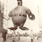 These old photographs of the Macy's Thanksgiving Day Parade are amazing http://t.co/zxMfMgNJmN http://t.co/qELtKqHBac