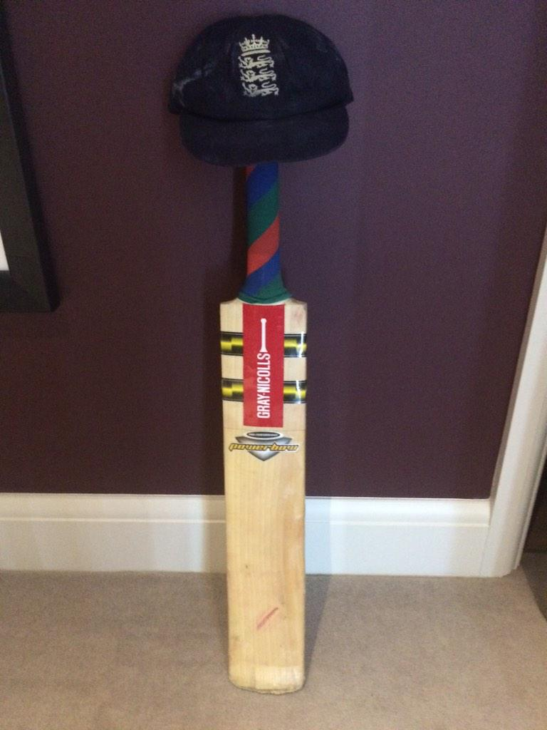I used this bat at Lords in 2010 against the West Indies and made 63* #putyourbatsout http://t.co/AKcNQRH2Y6