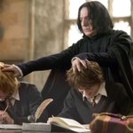 Pesquisadores usam #HarryPotter para analisar como cérebro processa leitura http://t.co/1G6gqLV0Dq http://t.co/nLA1r89yF6