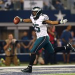 LeSean McCoy was a beast today. 159 yards rushing and this 38 yard beauty of a touchdown run. http://t.co/f0mC9B9WjF