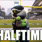 Seahawks head into the locker room up 13-0. Game Photos >> http://t.co/IjSOn6YTDp http://t.co/Q4WEWwce47