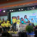 """Happening now: Finale live viewing with the Be Careful with my Heart cast #BCWMHGlobalKapitBisigDay http://t.co/wGdolT1wzr"""""""
