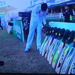 Nice touch by the @BLACKCAPS and Pakistan #putyourbatsout http://t.co/CAFzKeRxuN